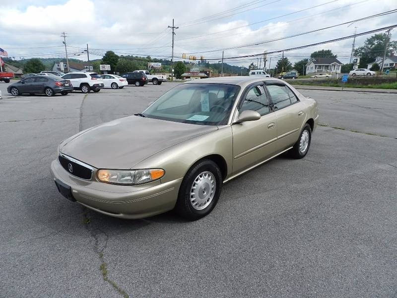 2004 BUICK CENTURY CUSTOM 4DR SEDAN beige the front windshield is in excellent condition  the pa