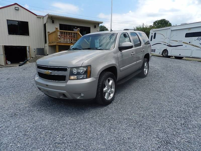 2007 CHEVROLET TAHOE LT 4DR SUV 4WD tan the front windshield is in excellent condition  the pain