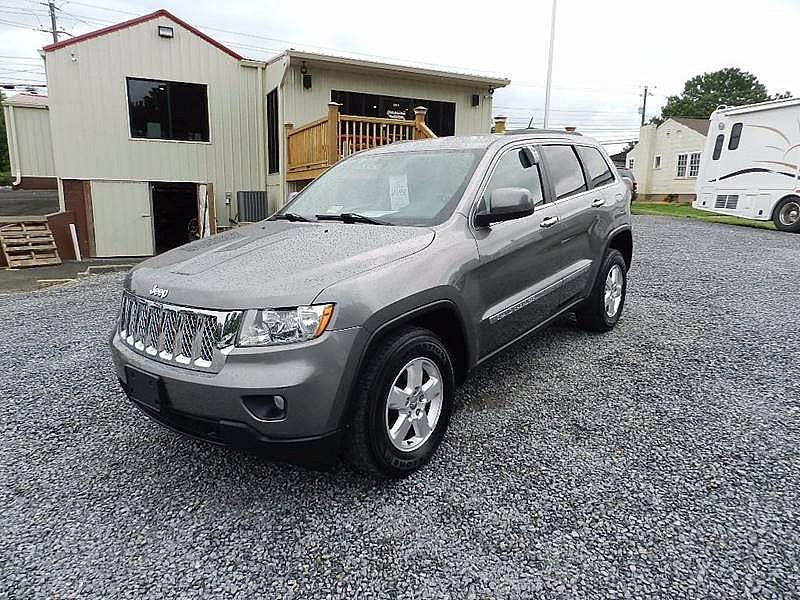 2012 JEEP GRAND CHEROKEE LAREDO 4X4 4DR SUV gray the front windshield is in excellent condition