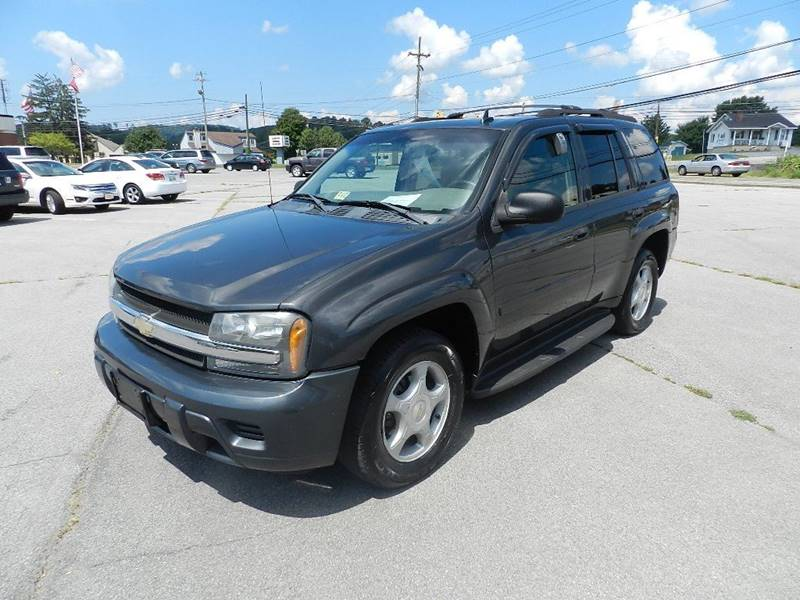 2007 CHEVROLET TRAILBLAZER LS 4DR SUV 4WD charcoal the front windshield is in excellent condition