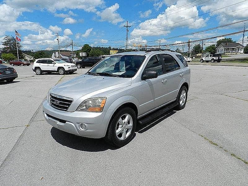 2007 KIA SORENTO LX 4DR SUV 4WD silver the front windshield is in excellent condition  the paint
