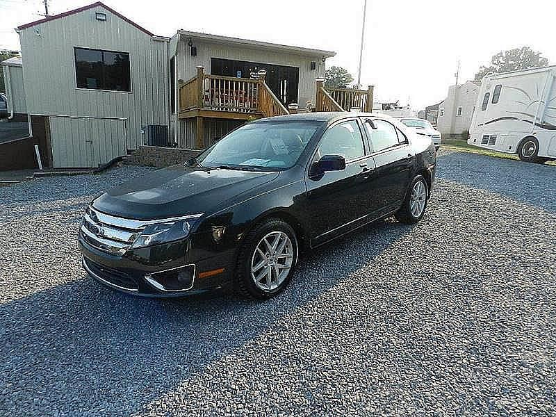 2010 FORD FUSION SEL 4DR SEDAN black the front windshield is in excellent condition  the paint h