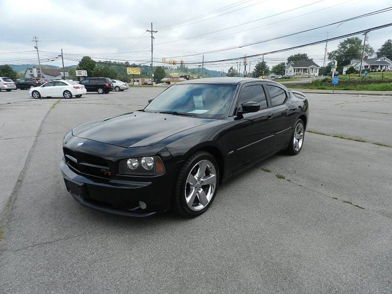 2007 DODGE CHARGER RT 4DR SEDAN black the front windshield is in excellent condition  the paint