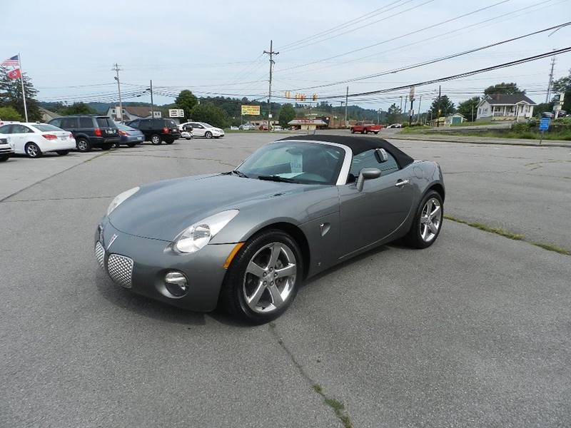 2007 PONTIAC SOLSTICE BASE 2DR CONVERTIBLE gray the front windshield is in excellent condition