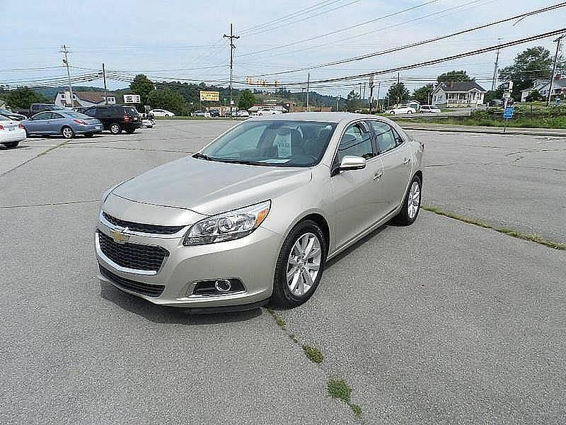 2016 CHEVROLET MALIBU LIMITED LTZ 4DR SEDAN beige the front windshield is in excellent condition
