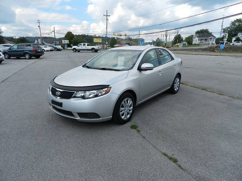2012 KIA FORTE EX 4DR SEDAN 6A silver the front windshield is in excellent condition  the paint