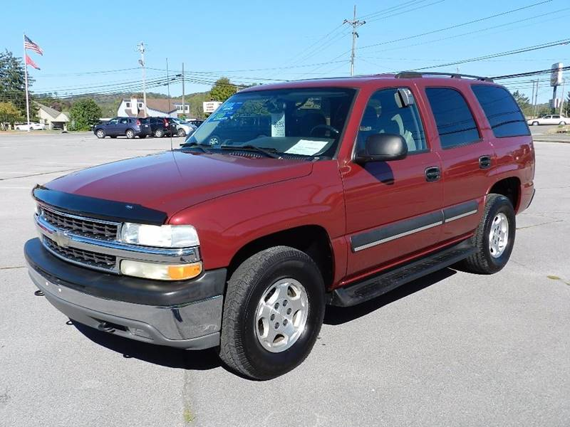 2004 CHEVROLET TAHOE LS maroon the front windshield is in excellent condition  the paint has som