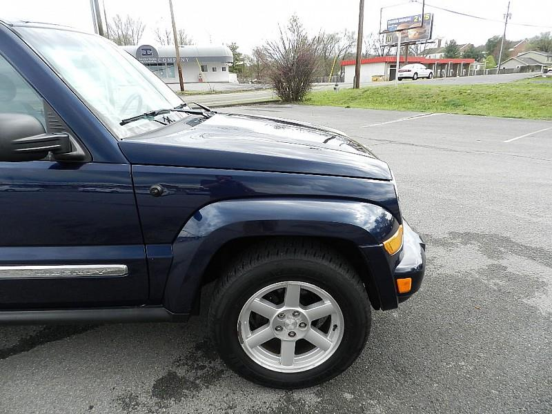 2006 Jeep Liberty for sale at Carl's Auto Incorporated in Blountville TN
