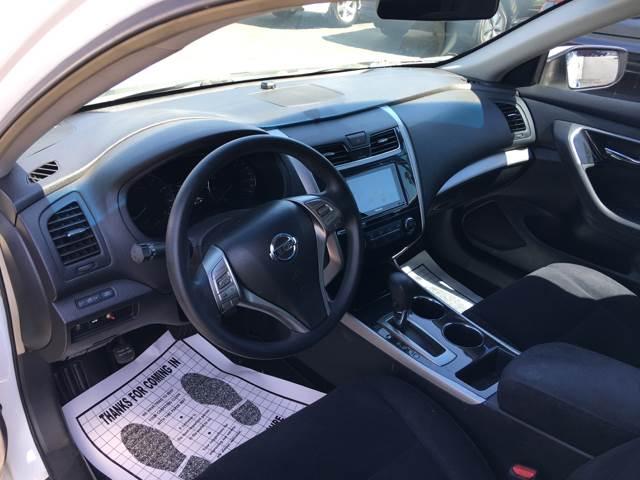 2013 Nissan Altima 2.5 S 4dr Sedan - La Habra CA
