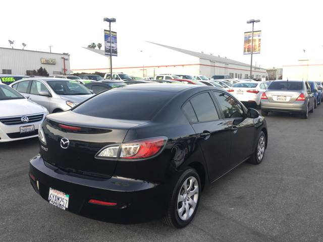 2013 Mazda MAZDA3 i SV 4dr Sedan 5A - La Habra CA