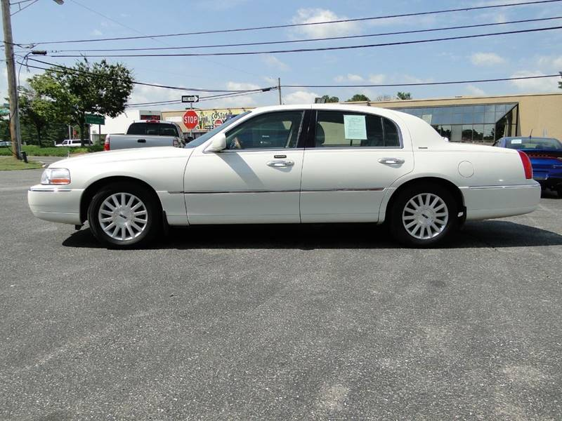 2004 Lincoln Town Car Ultimate 4dr Sedan In Edgewater Md Caddy