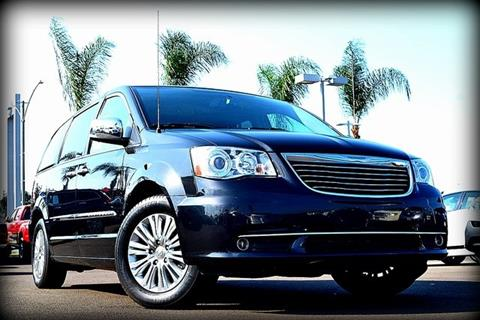 2015 Chrysler Town and Country for sale in El Cajon, CA