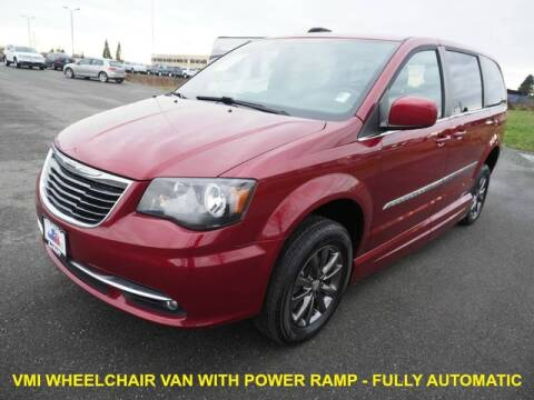 2014 Chrysler Town and Country for sale at Karmart in Burlington WA