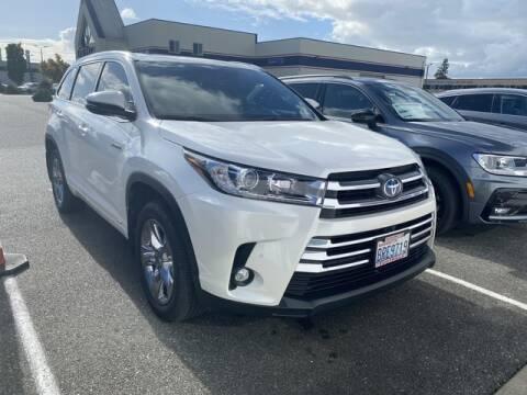 2019 Toyota Highlander Hybrid for sale at Karmart in Burlington WA