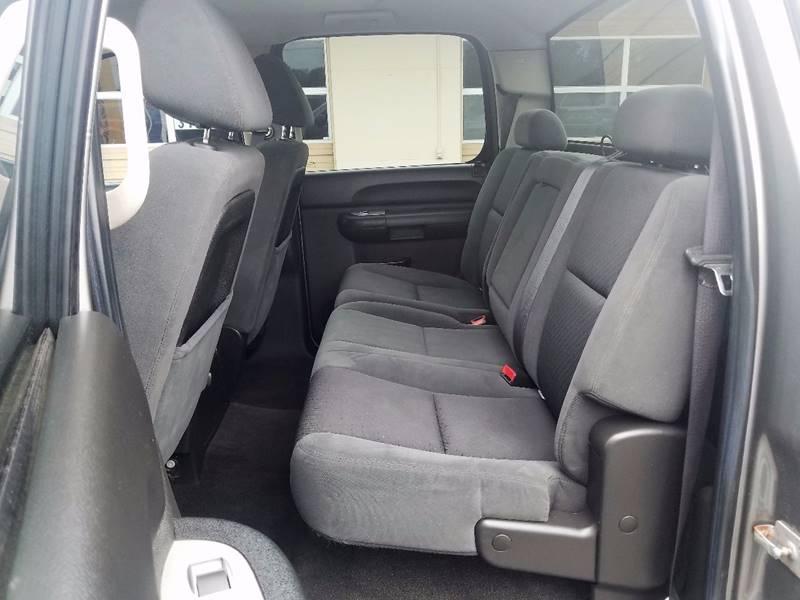 2009 Chevrolet Silverado 1500 4x4 LT 4dr Crew Cab 5.8 ft. SB - Auburn Hills MI