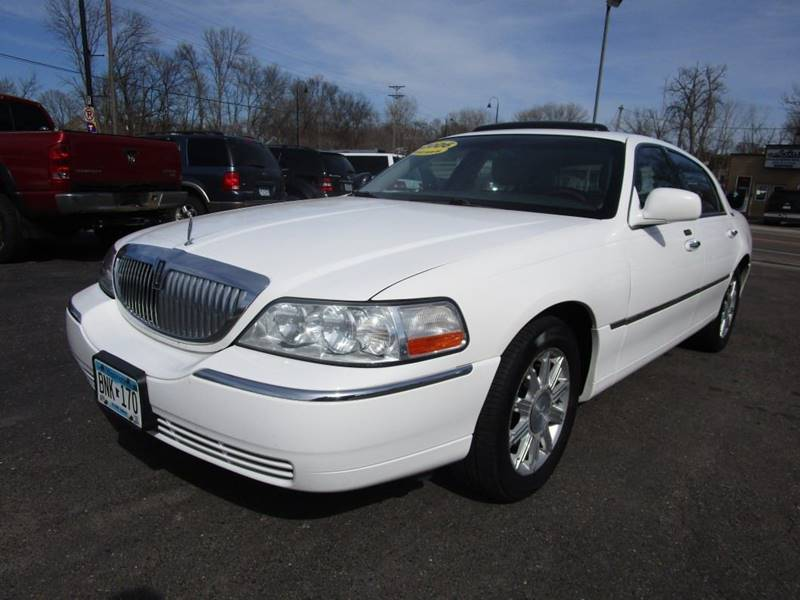2006 Lincoln Town Car Signature Limited 4dr Sedan In Mound ...