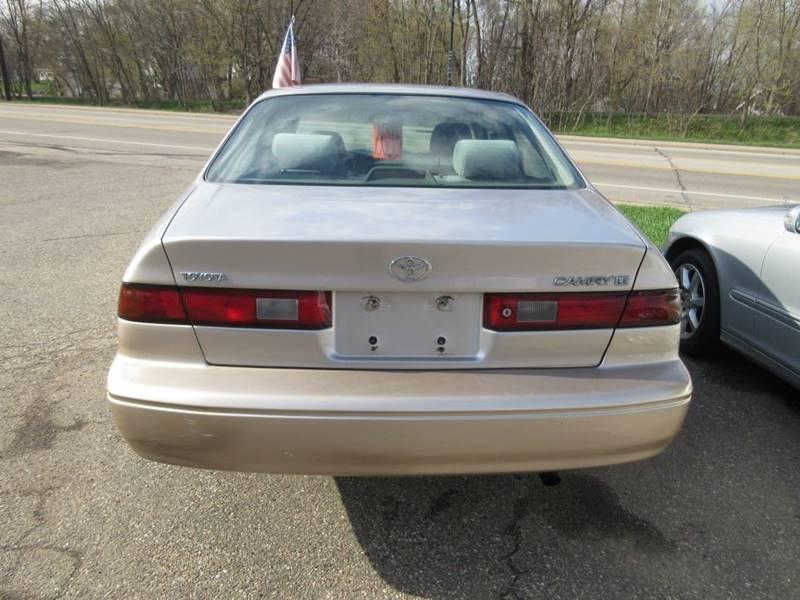 1999 Toyota Camry LE 4dr Sedan - Mound MN