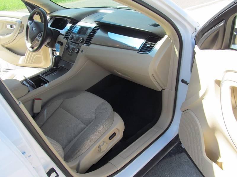 2014 Ford Taurus AWD SEL 4dr Sedan - Stanton MI