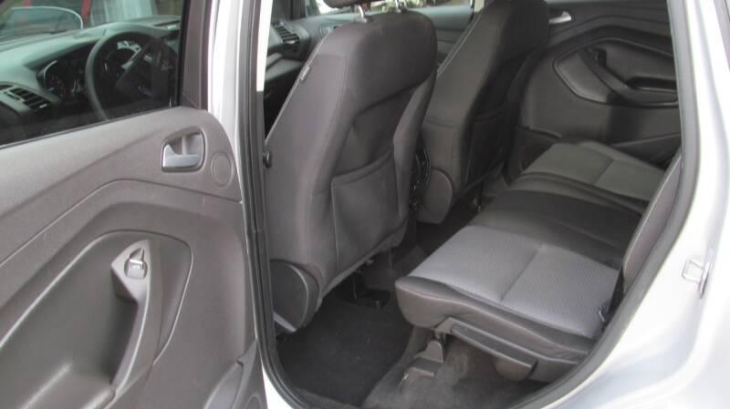 2017 Ford Escape AWD SE 4dr SUV - Stanton MI
