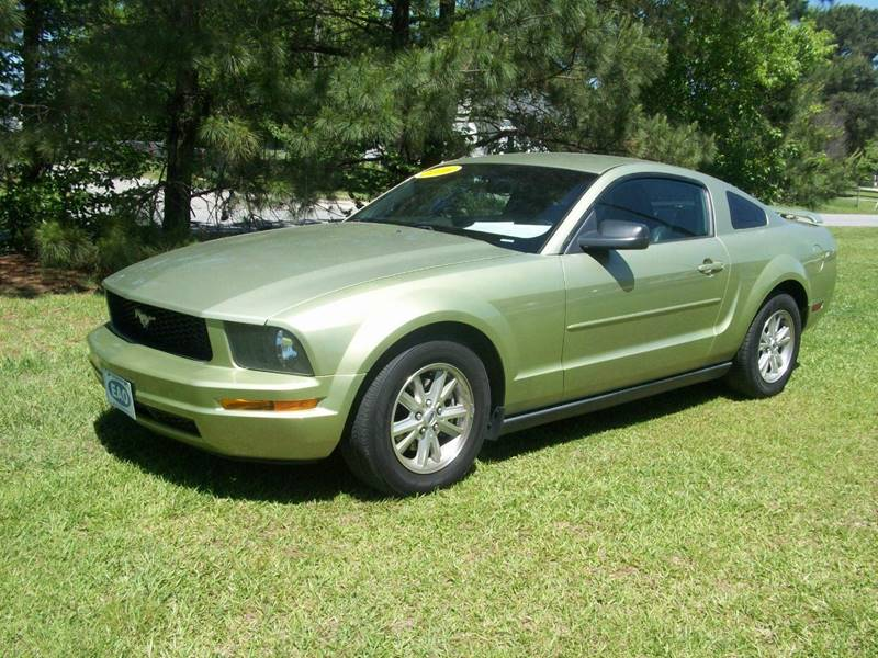 2006 Ford Mustang V6 Premium 2dr Coupe - Wilson NC