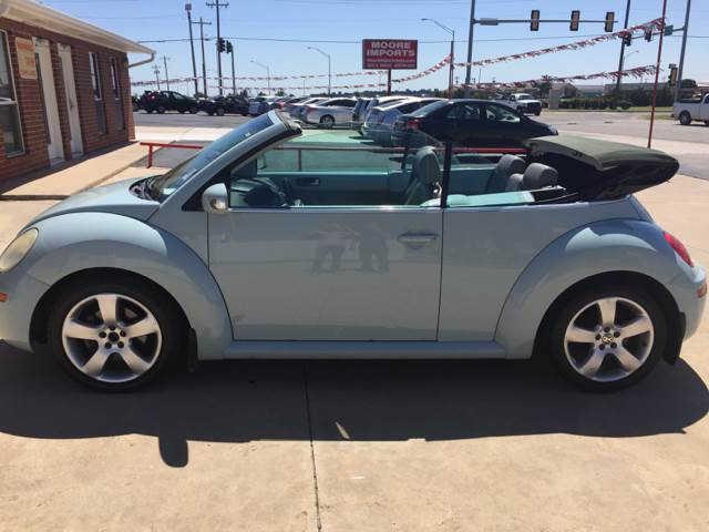 2006 Volkswagen New Beetle 2.5 2dr Convertible w/Automatic - Moore OK