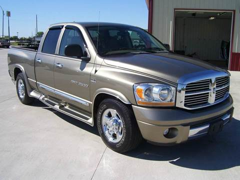 2006 Dodge Ram Pickup 2500 for sale at SCOTT LEMAN AUTOS in Goodfield IL