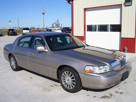 2003 Lincoln Town Car for sale at SCOTT LEMAN AUTOS in Goodfield IL