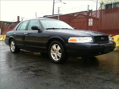 2003 Ford Crown Victoria for sale at Elite Motors in Washington DC