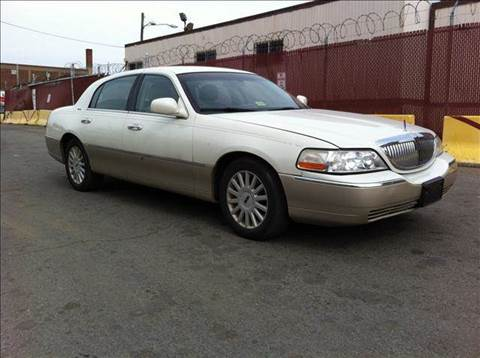 2005 Lincoln Town Car for sale at Elite Motors in Washington DC