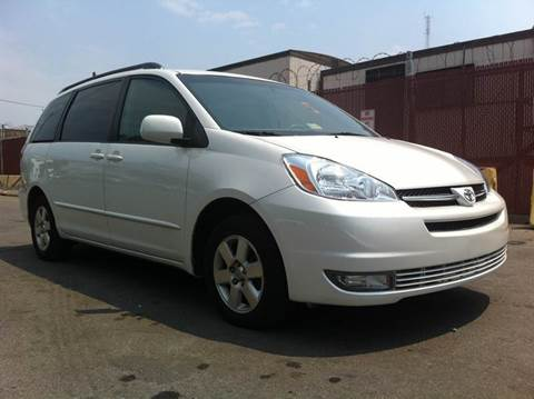 2004 Toyota Sienna for sale at Elite Motors in Washington DC
