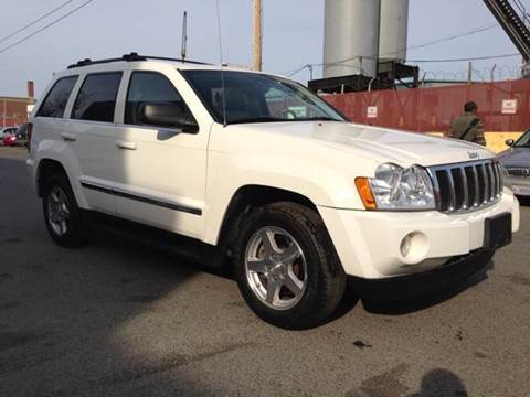 2005 Jeep Grand Cherokee for sale at Elite Motors in Washington DC