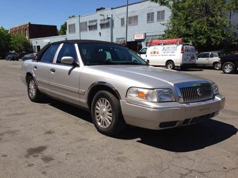 2006 Mercury Grand Marquis for sale at Elite Motors in Washington DC
