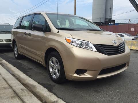2014 Toyota Sienna for sale at Elite Motors in Washington DC
