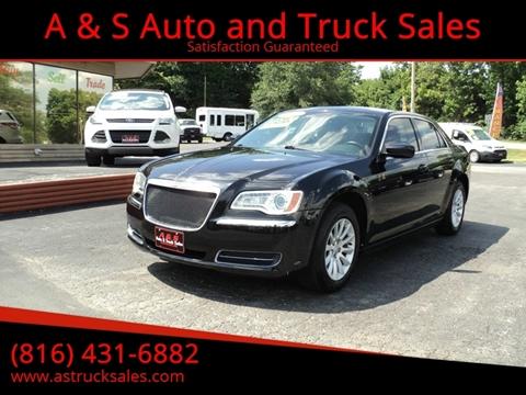 2011 Chrysler 300 for sale in Platte City, MO