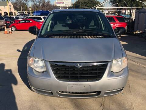 2007 Chrysler Town and Country for sale in Dallas, TX