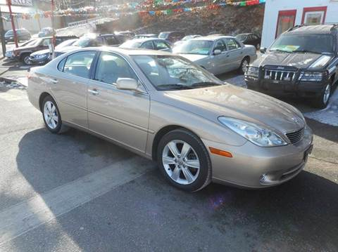 2005 Lexus ES 330 for sale at Ricciardi Auto Sales in Waterbury CT