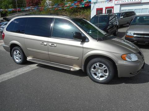 2004 Dodge Grand Caravan for sale at Ricciardi Auto Sales in Waterbury CT