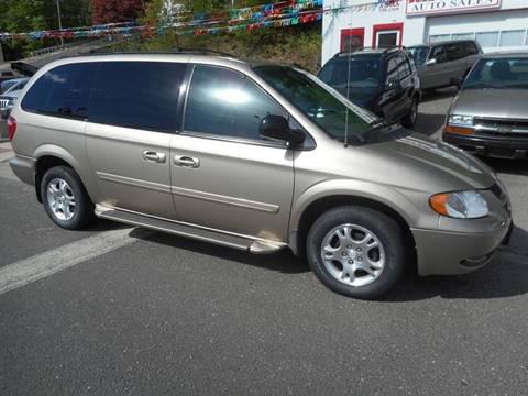 2004 Dodge Grand Caravan for sale at Ricciardi Auto Sales in Waterbury CT