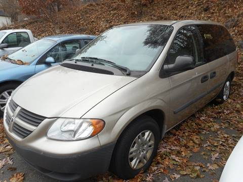 2006 Dodge Caravan for sale at Ricciardi Auto Sales in Waterbury CT
