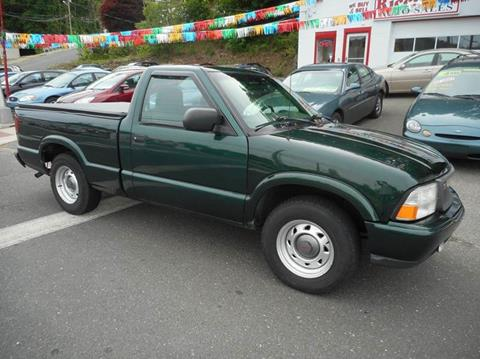 2001 GMC Sonoma for sale at Ricciardi Auto Sales in Waterbury CT