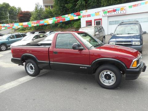 1996 Chevrolet S-10 for sale at Ricciardi Auto Sales in Waterbury CT