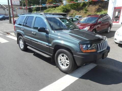 2004 Jeep Grand Cherokee for sale at Ricciardi Auto Sales in Waterbury CT