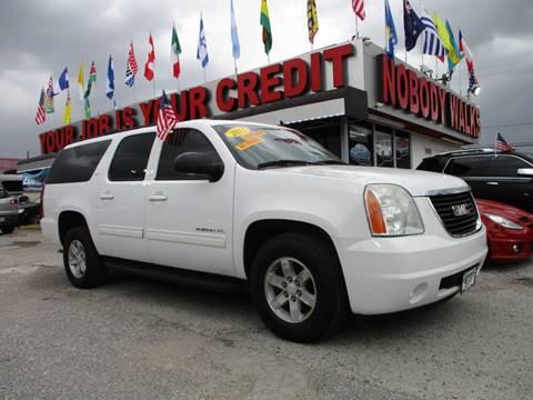 2011 GMC Yukon XL for sale in Houston, TX