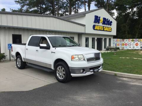 2006 Lincoln Mark LT for sale at Bi Rite Auto Sales in Seaford DE