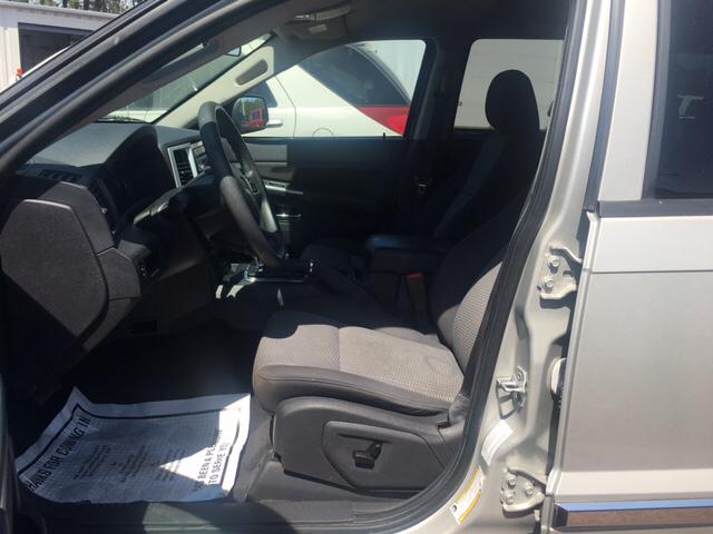 2010 Jeep Grand Cherokee 4x4 Laredo 4dr SUV - Seaford DE