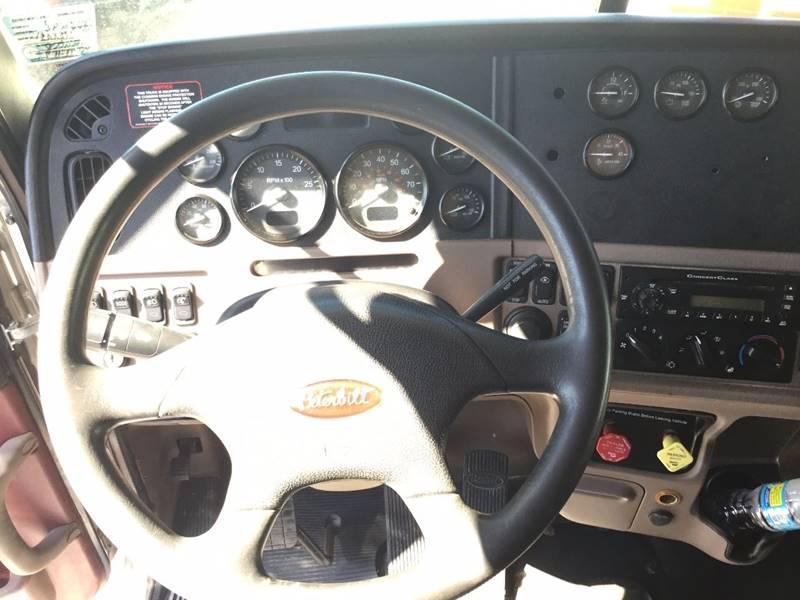 2012 Peterbilt 389  - Seaford DE