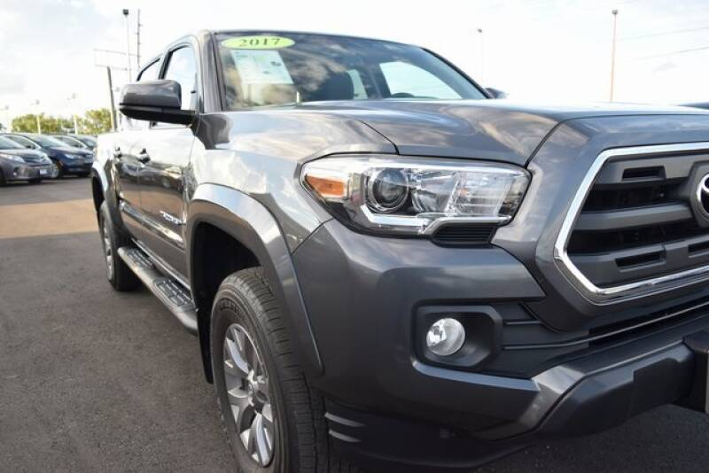 2017 Toyota Tacoma 4x4 SR5 V6 4dr Double Cab 5.0 ft SB - Indianapolis IN