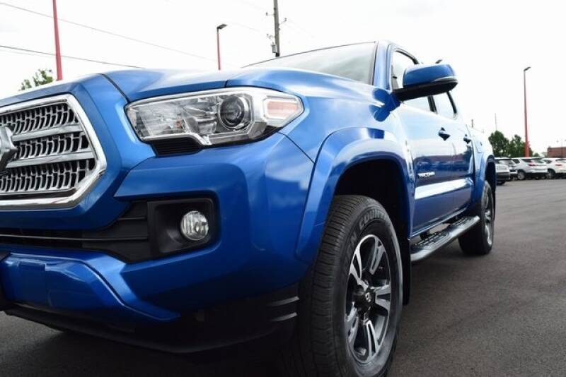 2017 Toyota Tacoma 4x4 TRD Sport 4dr Double Cab 5.0 ft SB 6A - Indianapolis IN