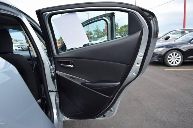 2019 Toyota Yaris LE 4dr Sedan 6A - Indianapolis IN