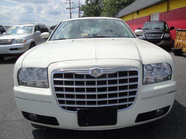 2005 chrysler 300 limited leather sunroof in fredericksburg va l s auto brokers. Black Bedroom Furniture Sets. Home Design Ideas